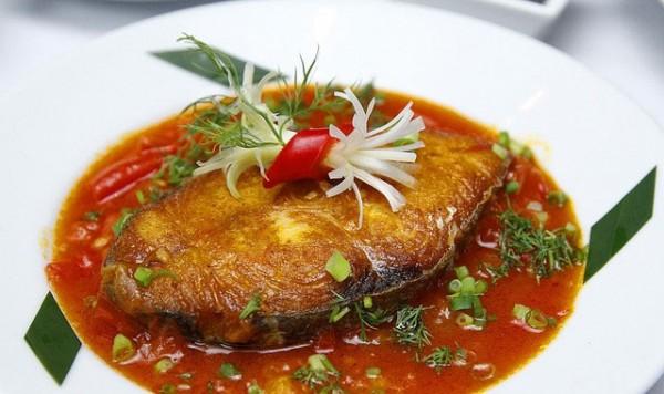 Cá rán sốt cà chua