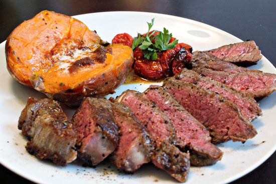 Thịt bò ướp rán tái